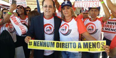 imagem - Representantes do Sincomerciários participam de manifestação em Brasília