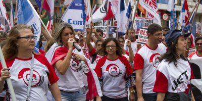 imagem - Cerca de 1200 trabalhadores vão às ruas contra as Reformas