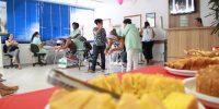 Café da manhã leva cerca de 300 mulheres ao Centro de Benefícios