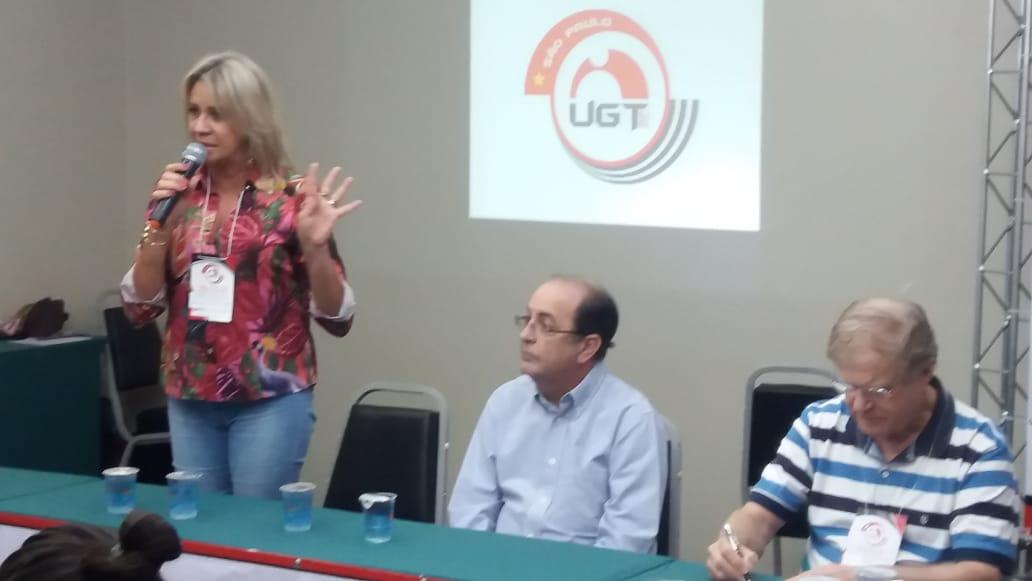"""A presidente Márcia Caldas junto aos colaboradores do Sincomerciários Rio Preto presenciam o Seminário. """"A UGT São Paulo sai na frente quando pensa em capacitar os sindicatos filiados. Hoje, mais do que nunca, temos que ter ferramentas para podermos sair a campo, fazer a sindicalização e buscar essa tão difícil conquista para o trabalhador do nosso sindicato. Nós precisamos ter pessoas que realmente saibam abordar e passar para o trabalhador o que é o trabalho do Sindicato e a importância para a sua vida"""", ressalta a presidente."""