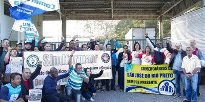 imagem - Sindicalistas protestam contra impasse na CCT dos práticos de Farmácia