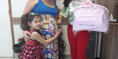 imagem - 360 Mamães foram beneficiadas com o kit bebê do Sincomerciários este ano