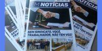 """Jair Bolsonaro recebe o jornal """"Em Notícias"""""""