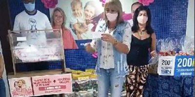 imagem - Mamães comerciárias ganham vales e cestas