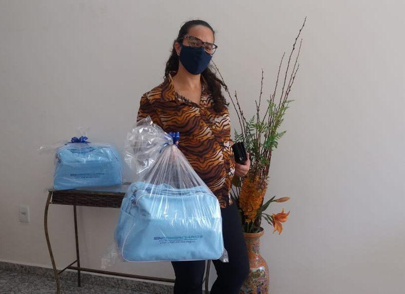 Sincomerciários entrega 132 kits bebê durante a pandemia