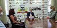 Sincomerciários entrega requerimento ao prefeito Édinho Araújo