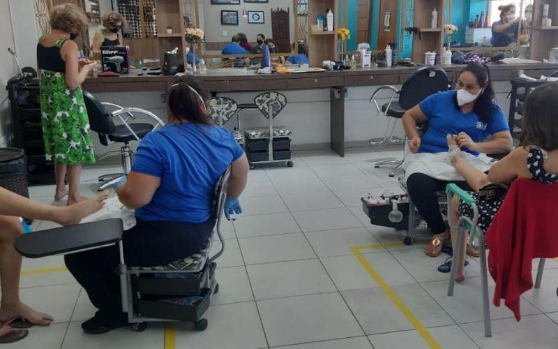 Salão de Beleza dos Comerciários volta a atender em Rio Preto