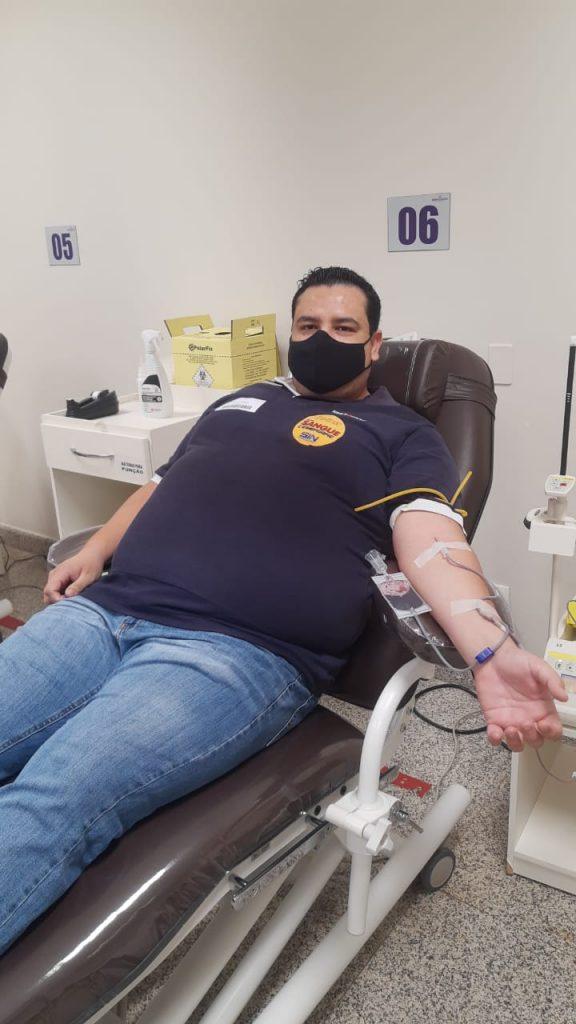 Comerciário Genilson Fernandes doou sangue nesta manhã