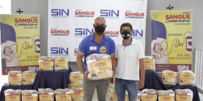 imagem - Terceira semana de entrega de cestas básicas leva 50 comerciários ao Clube Social