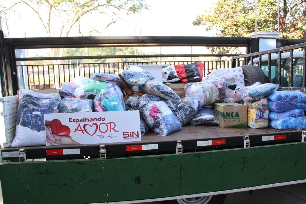 Doações de alimentos, roupas, produtos de higiene e móveis foram destinados à Rede Refúgio