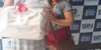 Comerciárias recebem kit maternidade no Centro de Benefícios